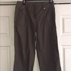 Brown NY&co crop cargo pants, size 4